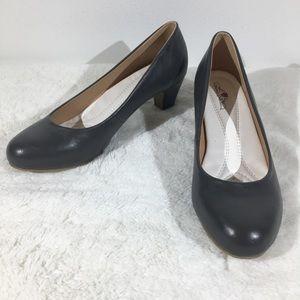Journee Collection Gray kitten block heels -  9
